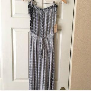 celesta Dresses - Maxi Dress